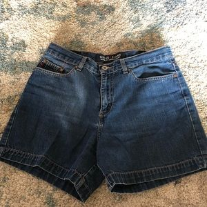 Guess high rise jean mom shorts